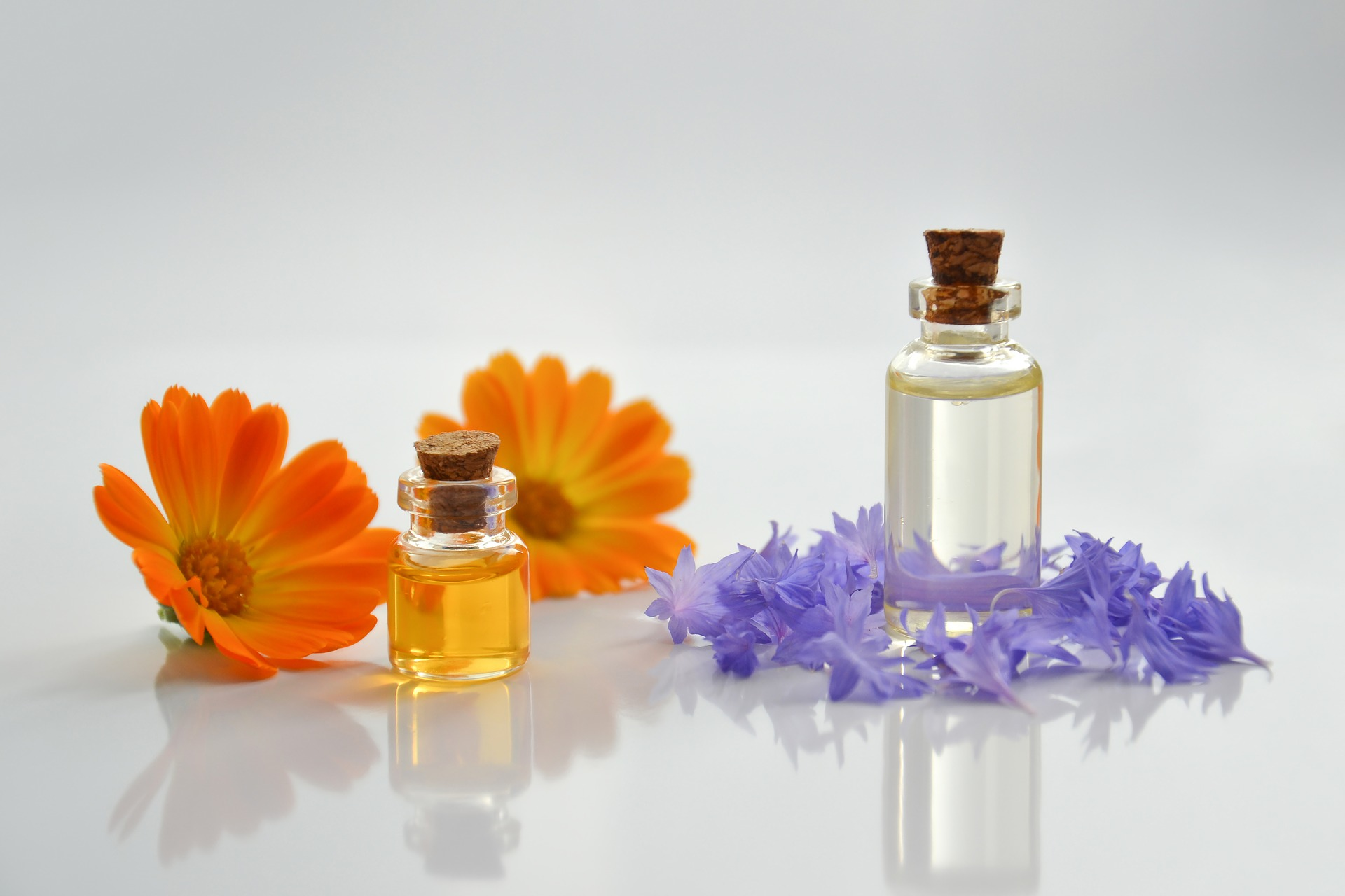 essential-oil-4065187_1920