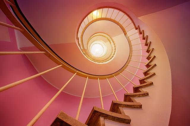 růžové schodiště