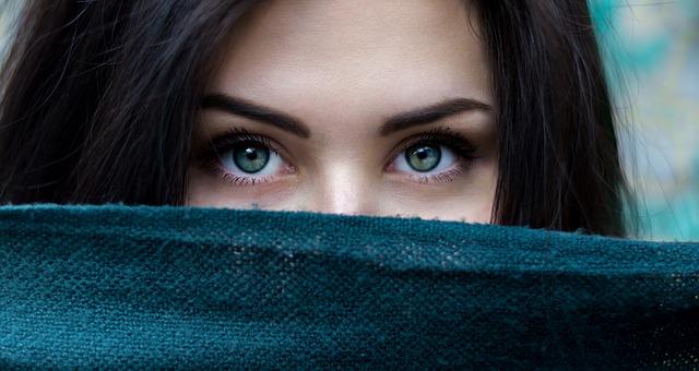 Majte oči ako bábika