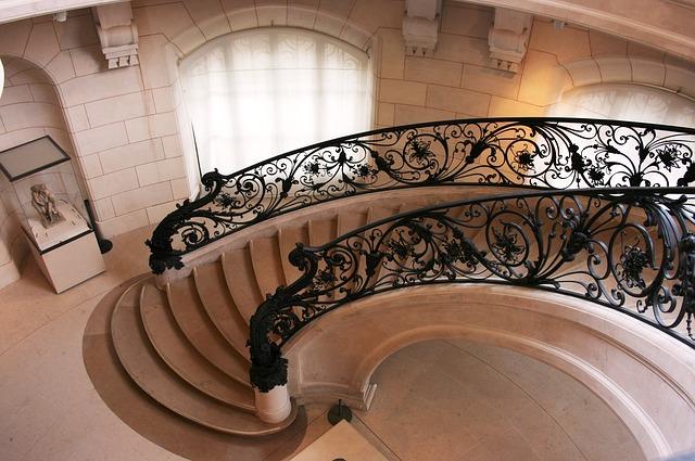 Rekonštrukcia schodiska a výber estetického, no kvalitného zábradlia