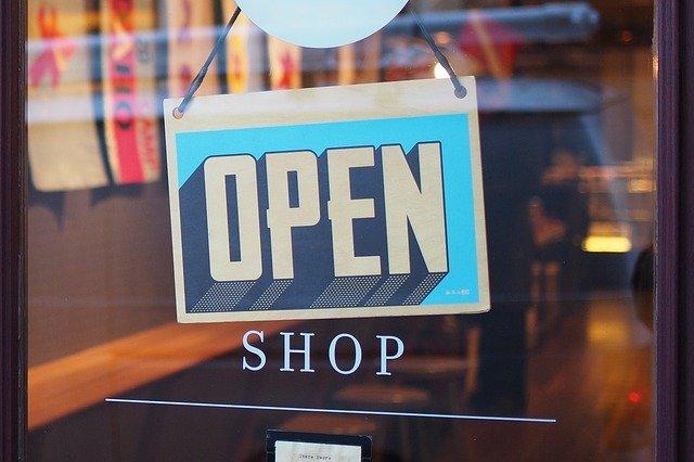 dveře obchodu