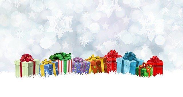 darčeky na snehu.jpg
