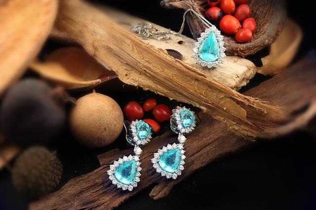 V jednoduchosti je krása! Ale výnimočná príležitosť si žiada výnimočný šperk!