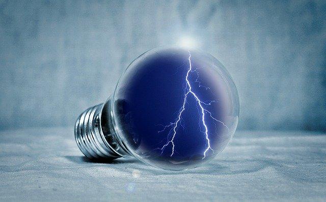 Žiarovka, elektrická energia