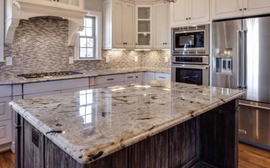 Umelý kameň alebo prírodný kameň v kuchyni?